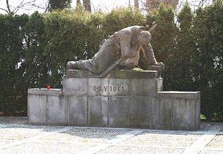 Památník obětem povstání v květnu 1945