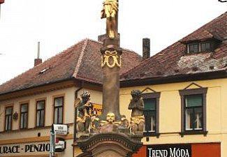 Holice - kamenný kříž