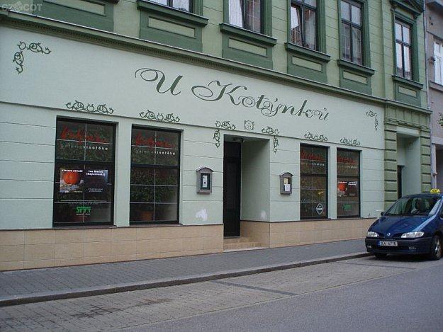 Gallery and vinotheque Kotýnek