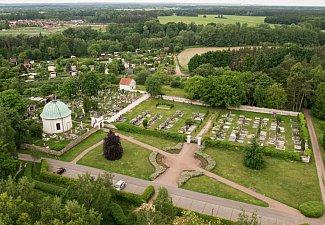 Lázně Bohdaneč - hřbitov