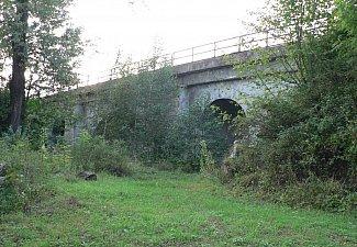 U pěti kanálů - železniční viadukt