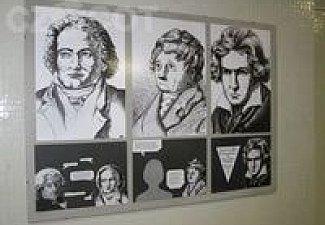 Vynálezy v krabičkách, výstava k celoškolnímu projektu o klasicismu.