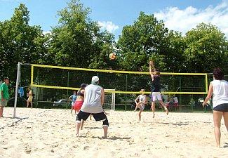 Nohejbalové hřiště a hřiště na plážový volejbal