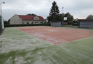 Sportovní areál u bývalé školy