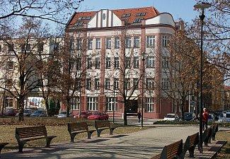 budova školy v Havlíčkově ulici